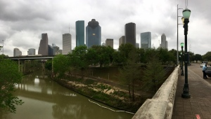 Panorama: Buffalo Bayou @ I-10/45/69 from the Sabine St. bridge.