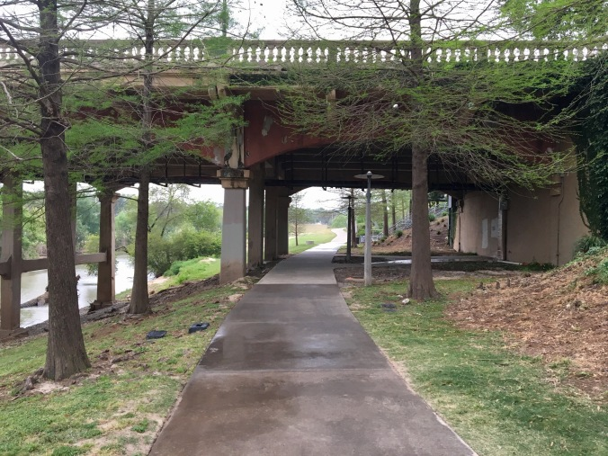 A movie-like photo, this trail takes you towards Eleanor Tinsley Park.